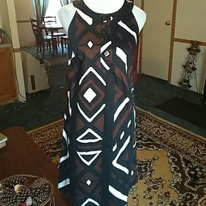 Adorable back,brown and white print dress